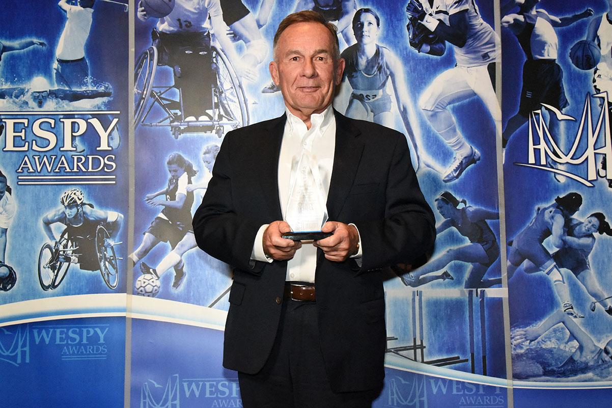Ken Dryden Executive of the Year Award Marty Komsa